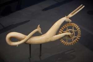 whale ivory hippocampus pie crimper